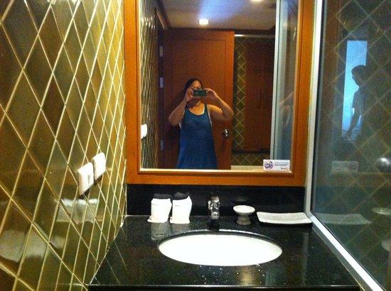 Sunset Beach Resort: bathroom