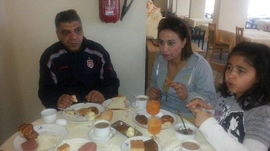El Mouradi El Menzah: Petit dej