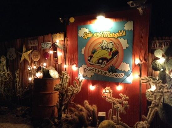 Spin and Margie's Desert Hideaway: Entrance at night