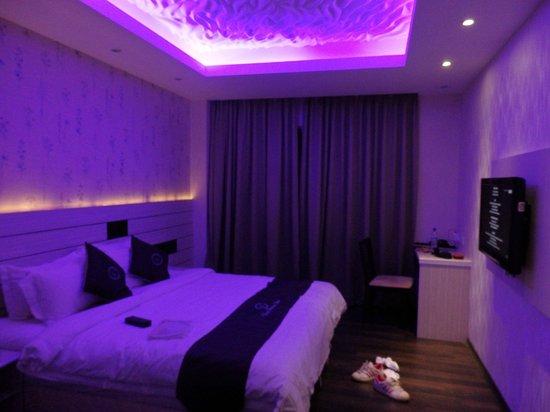 Venus Boutique Hotel: Lighting of the room