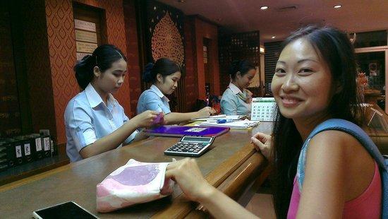 New Siam Riverside Guest House: Очччень приветливый персонал!!!