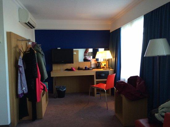 Park Inn by Radisson Bedford: room