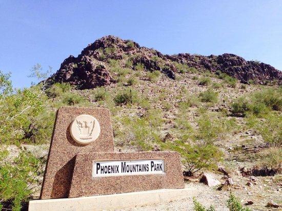 Piestewa Peak: Entrance to to Pestewa-Squaw Peak