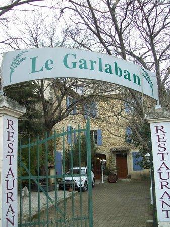 Le Garlaban : Entrée du restaurant