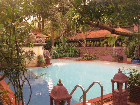 HanumanAlaya Boutique Residence: By the pool