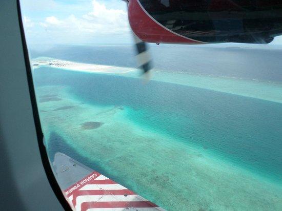 Kuramathi Island Resort: Sea plane