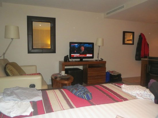 Staybridge Suites Newcastle: Sumptious King size bed