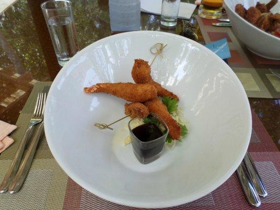 Kuramathi: island bbq for lunch, coconut shrimp, incredible!!!