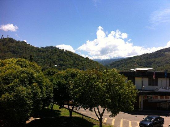 Tambunan Inn: Window view 2