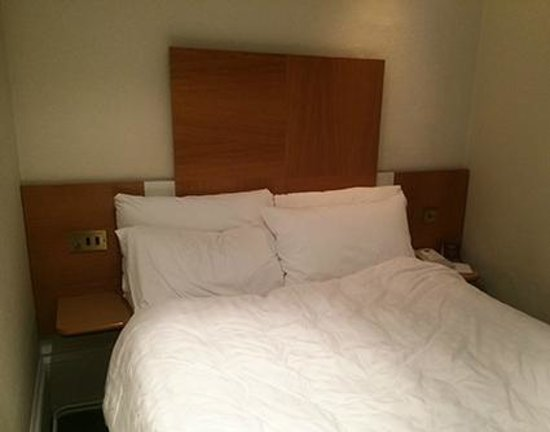 Mercure Brighton Seafront Hotel : small room