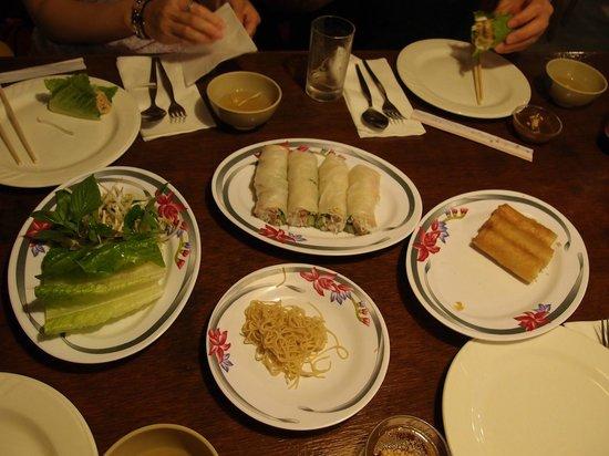 Restaurant Truong : 定番の生春巻きはおいしい!