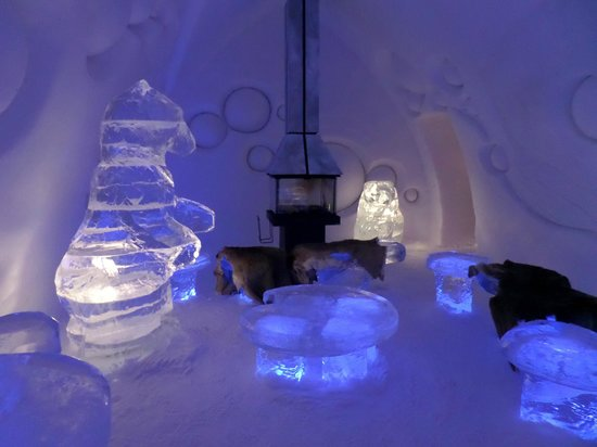 Hotel de Glace: one of the theme rooms