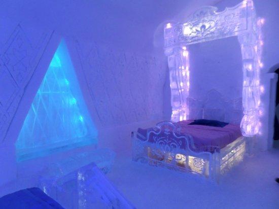 Hotel de Glace: theme room