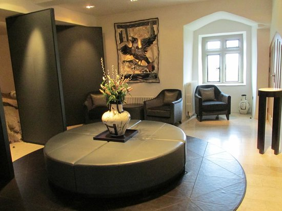 Roch Castle Hotel: Reception