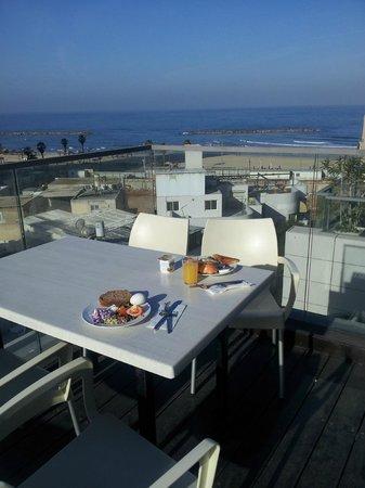 Hotel Gilgal: Frukost på takterassen