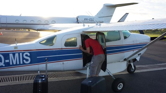 Royal Davui Island Resort: Small plane to hotel