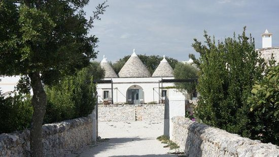Masseria Fumarola: Entrance to the grounds