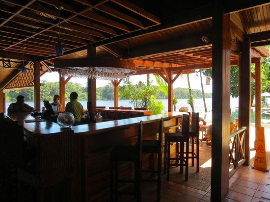 Tortuga Lodge & Gardens: Bar area.