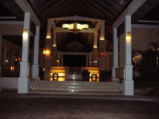 Royalton Cayo Santa Maria : Entrée du Lobby