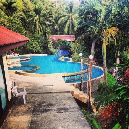 Tanouy Gardens: Pool area