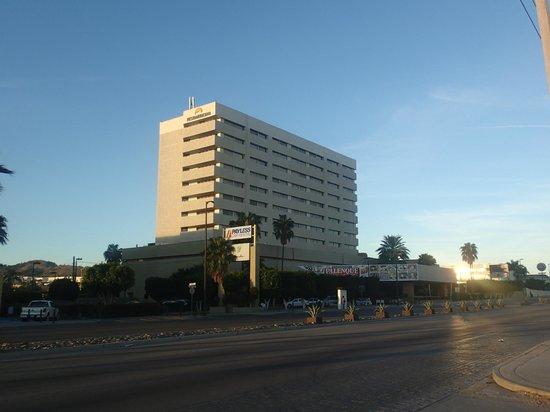 Fiesta Americana Hermosillo: Vista exterior del hotel