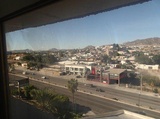Fiesta Americana Hermosillo: Vista al exterior (Blvd. Kino) desde el 5to piso