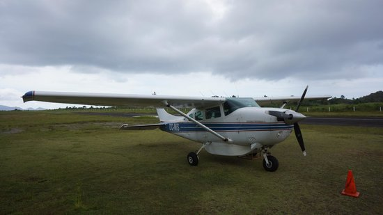 Royal Davui Island Resort: Small plane to hotel