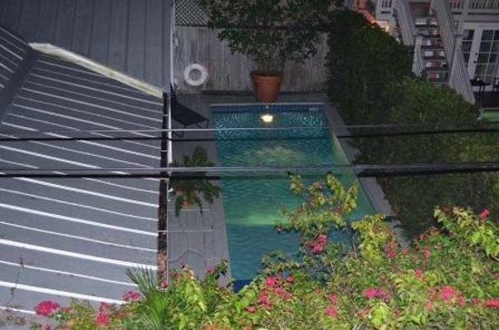 Simonton Court Historic Inn and Cottages: private pool