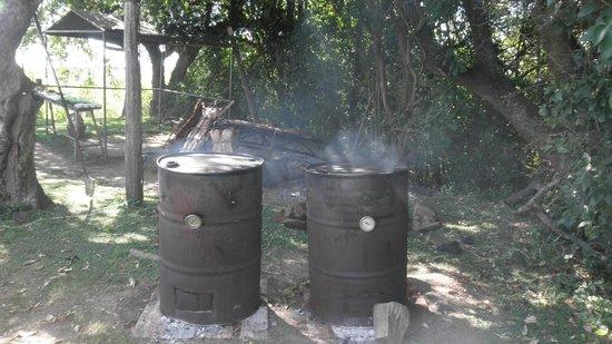 Estancia El Galpon: Tambores ahumadores