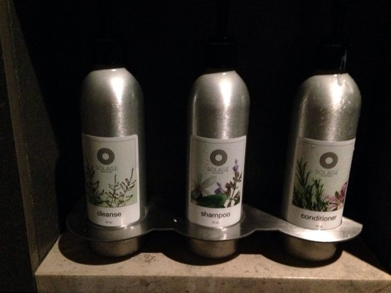 Solage, an Auberge Resort: Full size Shampoo, conditioner, liquid soap, and lotion (good quality) for you to use.  No need