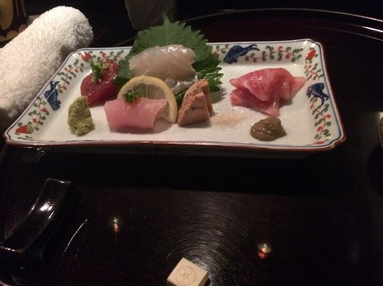 Sushi Oyama: First course its an ocean on you plate