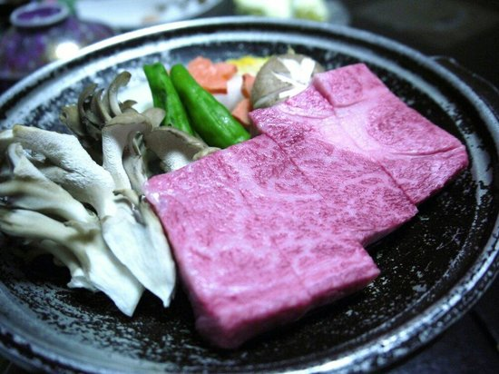Hiratakan: 夕食の飛騨牛陶板焼き