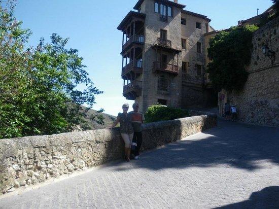 Parador de Cuenca: saliendo del hotel y entrando a la ciudad