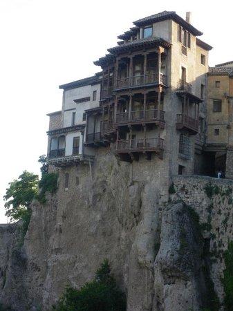 Parador de Cuenca: desde la habitacion se ven las cassas colgantes