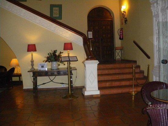 Parador de Cuenca : zona del hotel ,una de muchas....muy tranquila.