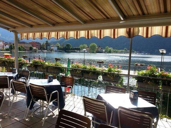 Porto Ceresio, Italy: La vista spettacolare