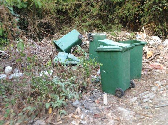 Anyavee Railay Resort : el basurero