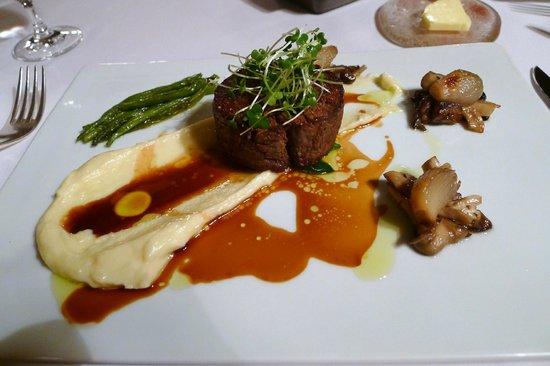 La Becasse : Best Beef!