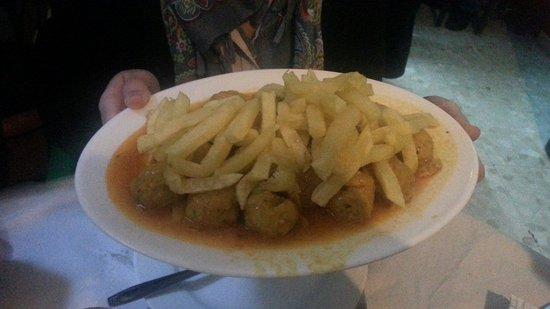 Casa Pepa: Albóndigas con patatas