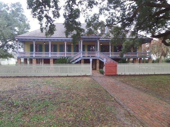 Laura: A Creole Plantation: laura's big house