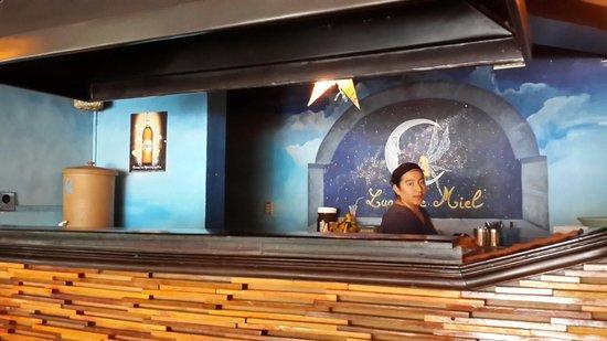 Luna de Miel Crepas : Inside