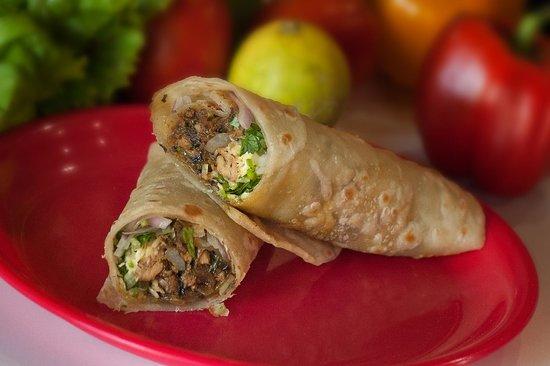 Muncheez: A basic chicken roll
