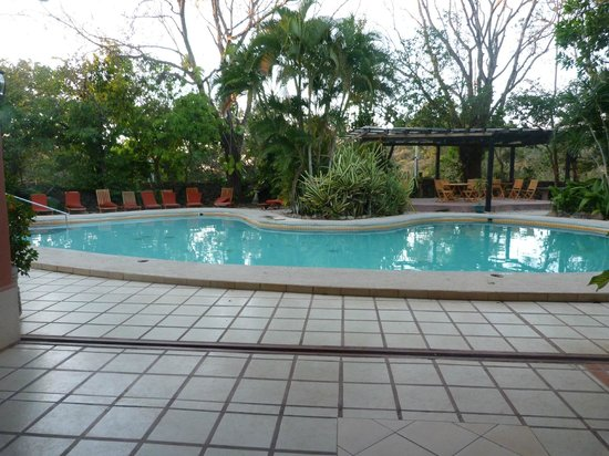 Hacienda Guachipelin: piscine