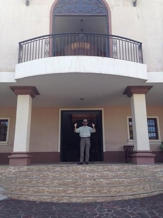 Hotel Internacional Managua: Me at Entrance to Hotel
