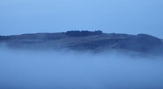 Balmeadowside Country Lodges and Cottages: Mist over the hills