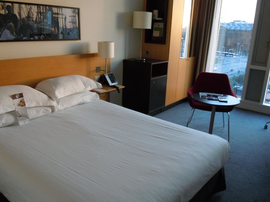 DoubleTree by Hilton Hotel Amsterdam Centraal Station : Bed