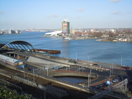 DoubleTree by Hilton Hotel Amsterdam Centraal Station : View from sky lounge deck