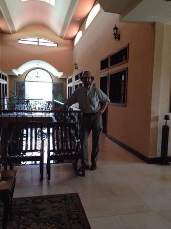 Hotel Internacional Managua: Standing on Second Foor Atrium