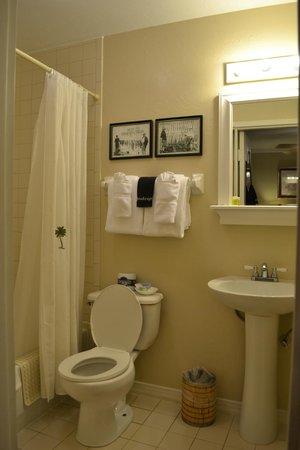 Tarpon Lodge & Restaurant: Bathroom