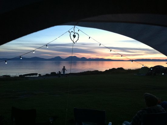 Port Ban Holiday Park: Another perfect sunset as seen from outside the tent